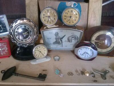 Pakkuda erinevad nõukaaegsed kellad