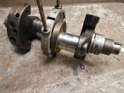 RS09 4 silindrise kasutatud väntvõll
