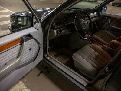 Mercedes Benz 250D