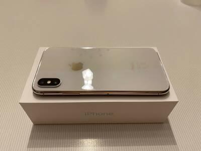 IPhone X  64 GB Hõbedane