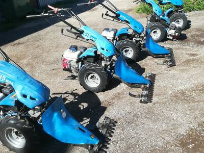 Kaherattaline traktor