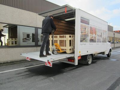 Transport veoteenus kolimine laadimine kuller