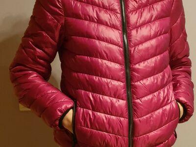 2 roosa värvi jopet, suurus S